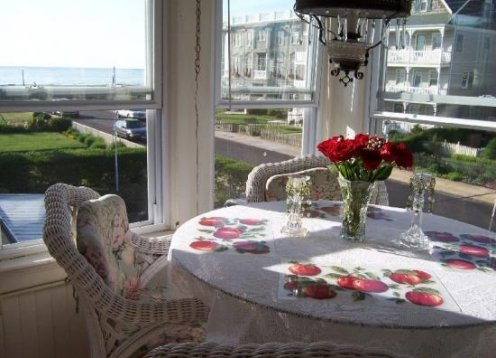 Ocean view 1 and 2 br units; WINTER RENTALS available