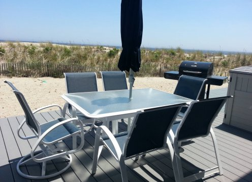 Ortley Beach, NJ - Oceanfront 2 Bedroom Condo Rents Weekly