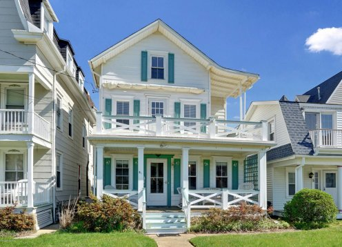Adorable 4 BR Beach Block House with Ocean Views - (North) Ocean Grove