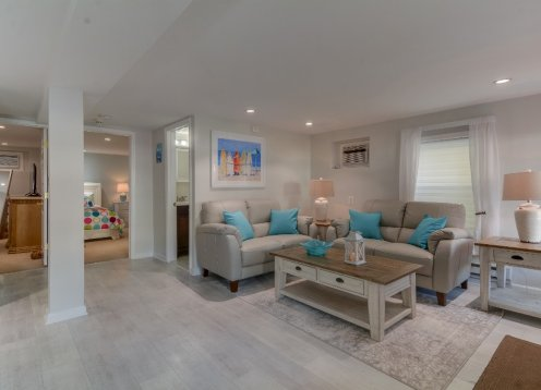 First Beach Block - intimate 2 Bedrooms luxury vacation 1st floor unit